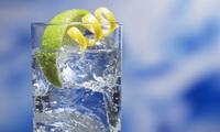 стакан воды фото