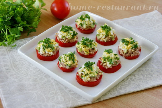 Тунец с помидорами фото 13
