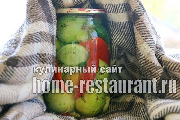 Зеленые помидоры фаршированные на зиму зеленью и чесноком фото_14