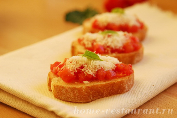 брускетта с помидорами и пармезаном фото 11