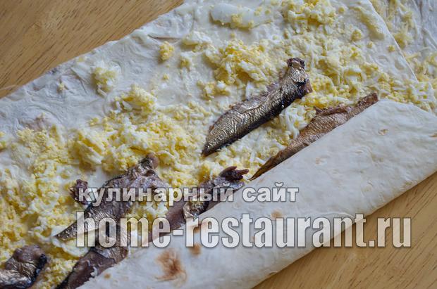 Лаваш с начинкой со шпротами и сыром_08