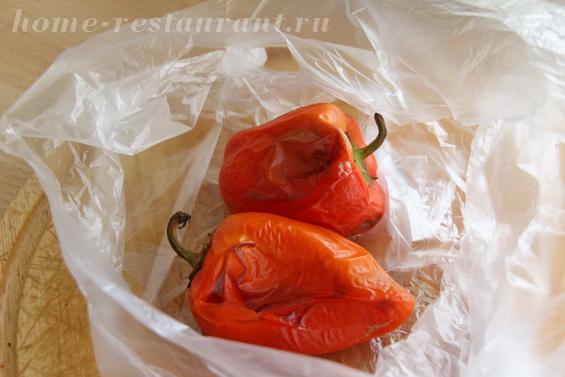брускетта с печеными перцами и брынзой фото 3
