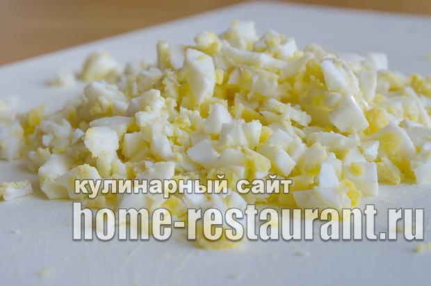 Салат в тарталетках с яйцом и огурцом_2