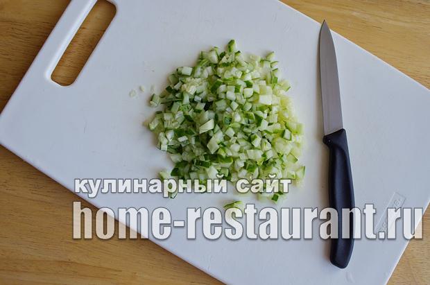 Салат в тарталетках с яйцом и огурцом_8