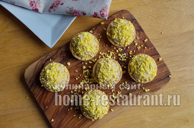 тарталетки с печенью трески и сыром фото_10