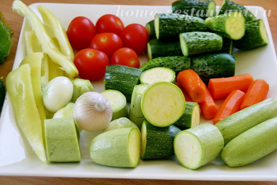 Кабачки с овощами в маринаде фото 1