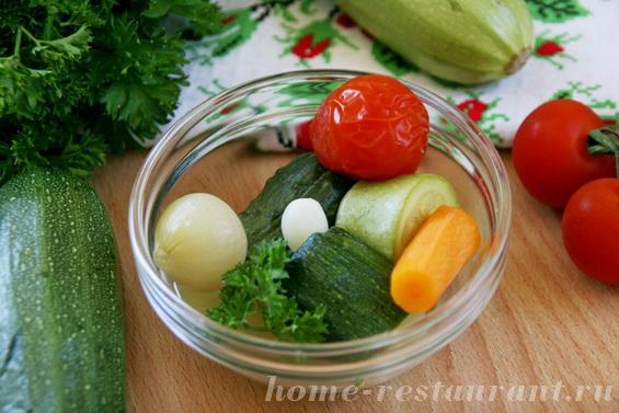 Кабачки с овощами в маринаде фото 11