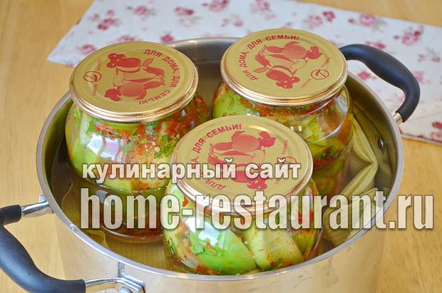 Маринованные зеленые помидоры с чесноком, перцем и зеленью_08