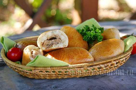 Пирожки с мясом в духовке фото 22