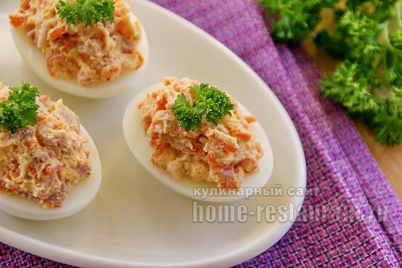 Яйца, фаршированные корейской морковью фото 16