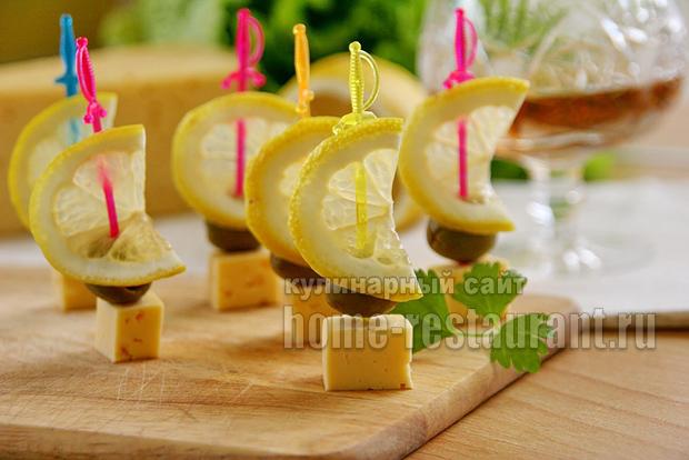 Канапе с сыром и оливками фото 8