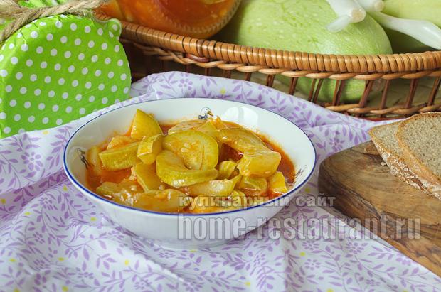 Салат из кабачков на зиму с томатной пастой и чесноком_09