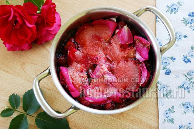 Варенье с лепестками роз фото 5