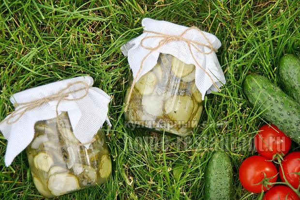 Салат из огурцов на зиму с луком «Гулливер»