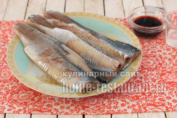 Маринованная селедка в домашних условиях в соевом соусе_3