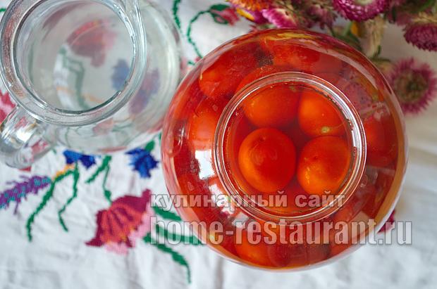 соленые помидоры на зиму в банках фото_4