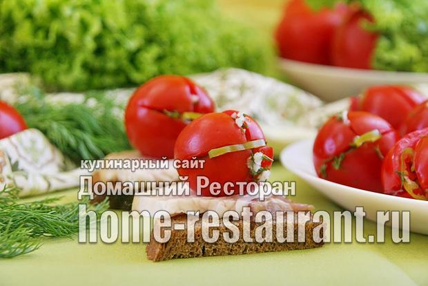 Малосольные помидоры с чесноком и зеленью фото_08