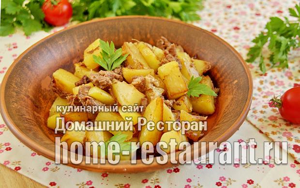 Картошка с тушенкой на сковороде фото _1