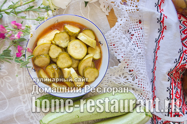 Салат из кабачков и огурцов с кетчупом чилли фото_9