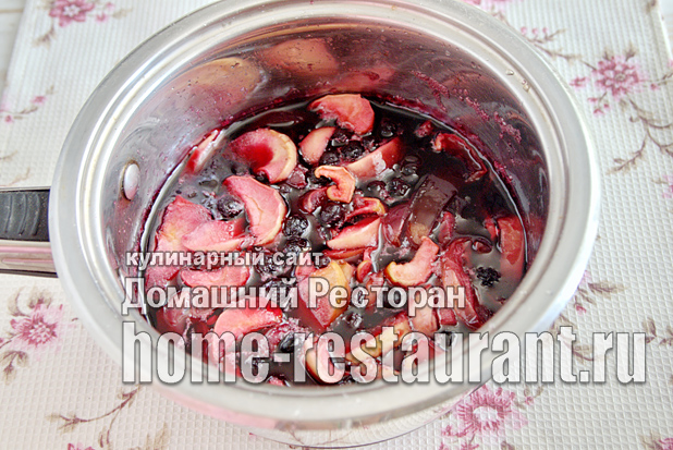 Варенье из яблок и черноплодной рябины фото_7
