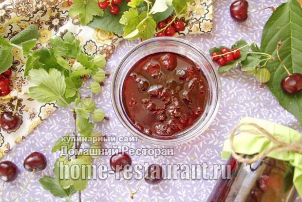 Варенье - ассорти из черешни с садовыми ягодами «Ягодный бум» фото