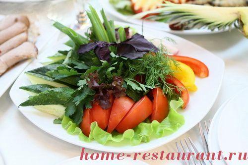 Фигурная нарезка из овощей и фруктов с фото