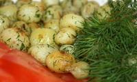 молодая картошка с укропом фото