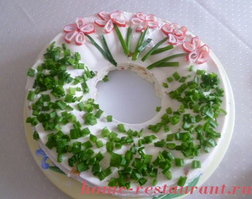 Украшение салатов: оригинальные идеи для праздничного