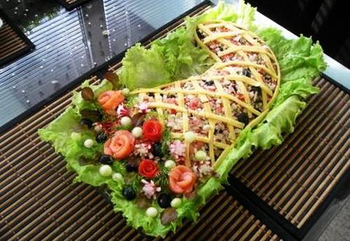 http://home-restaurant.ru/wp-content/uploads/2011/11/ukrashenie_salatov_18.jpg
