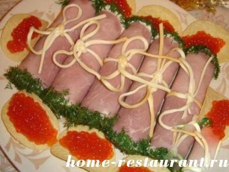 рулеты из ветчины с сырной начинкой