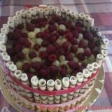 kak_ukrasit_tort_22