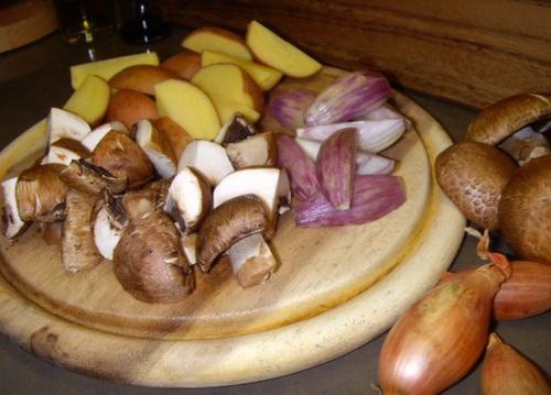 шампиньоны с картошкой в духовке рецепт с фото