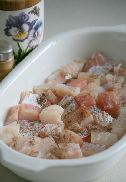 Треска с помидорами и сыром в духовке рецепт