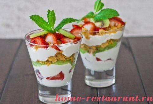 Фруктовые салаты с йогуртом или мороженным