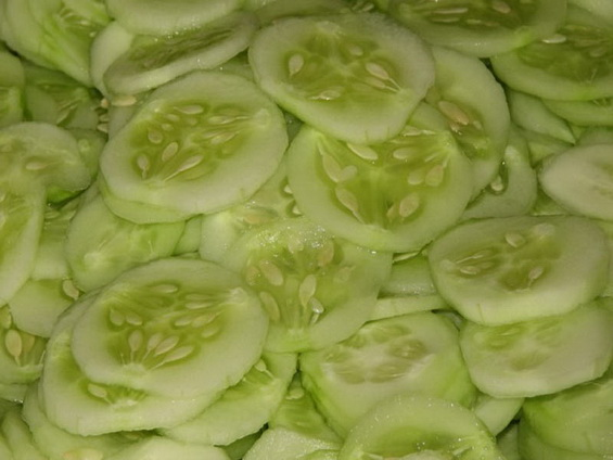 Салат на зиму из огурцов и болгарского перца