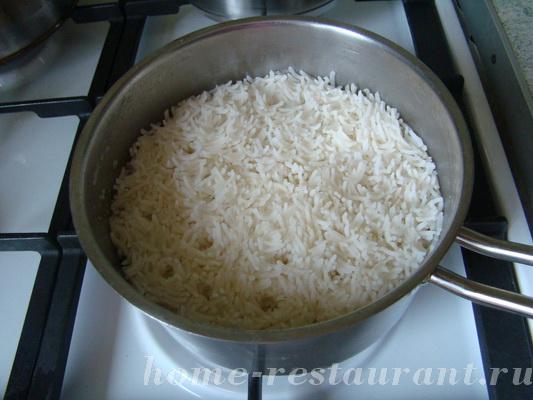 Рис по-тайски с яйцом и огурцом