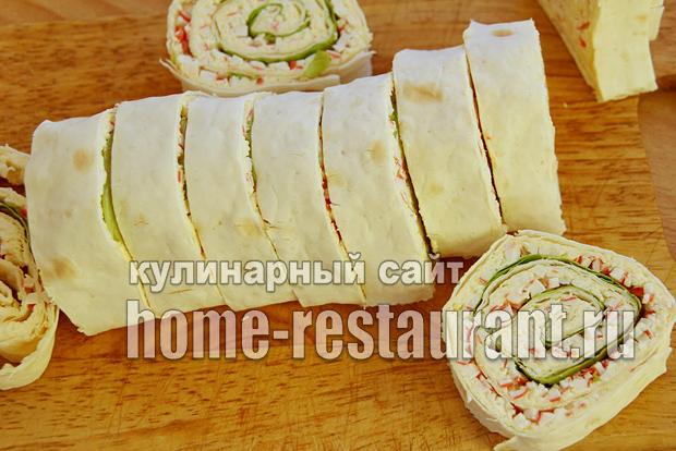 Лаваш с крабовыми палочками и плавленым сыром_06