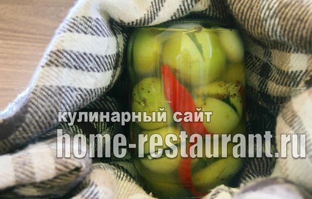 Зеленые помидоры фаршированные на зиму зеленью и чесноком фото_04