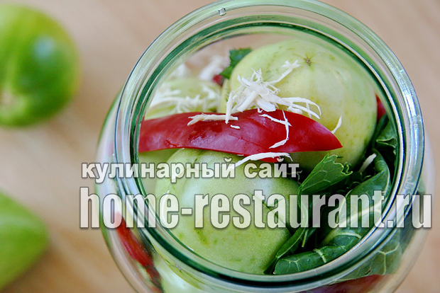 Зеленые помидоры фаршированные на зиму зеленью и чесноком фото_12
