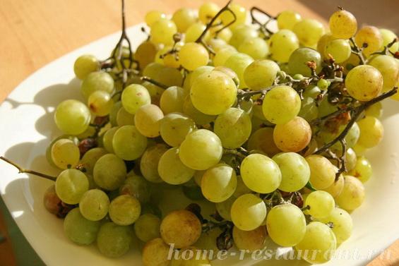 яблоки в виноградном сиропе фото 1