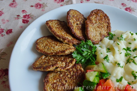 как приготовить печеночные оладьи из говяжьей печени для ребенка