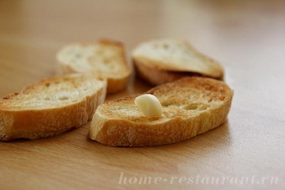 брускетта с печеными перцами и брынзой фото 8