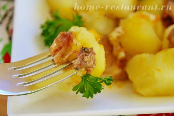 картошка с тушенкой