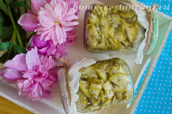 Салат из кабачков на зиму с чесноком и зеленью