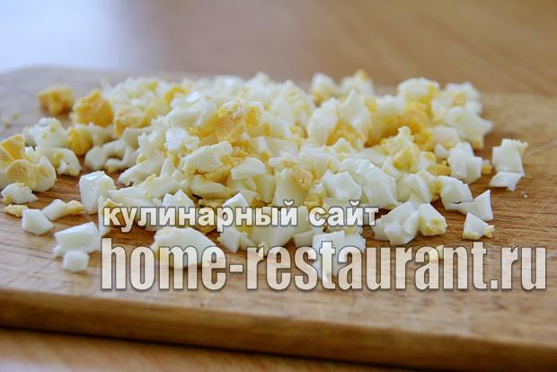 Салат в тарталетках с крабовыми палочками и креветками_02