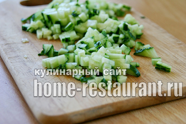 Салат в тарталетках с крабовыми палочками и креветками_05