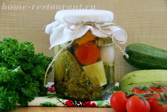 Кабачки с овощами в маринаде фото 9