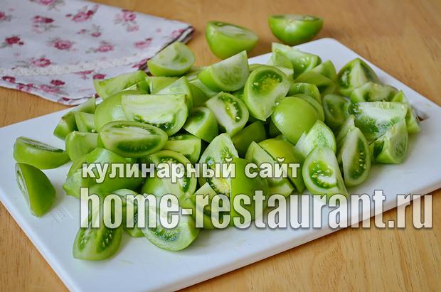 Маринованные зеленые помидоры с чесноком, перцем и зеленью_01
