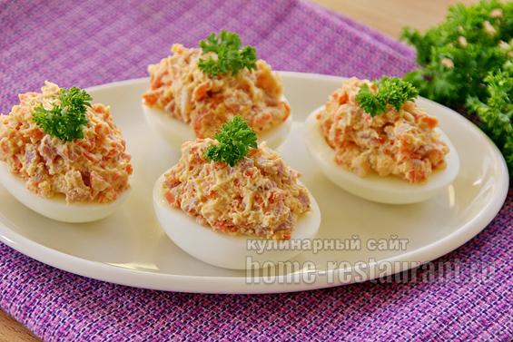 Яйца, фаршированные корейской морковью фото 13