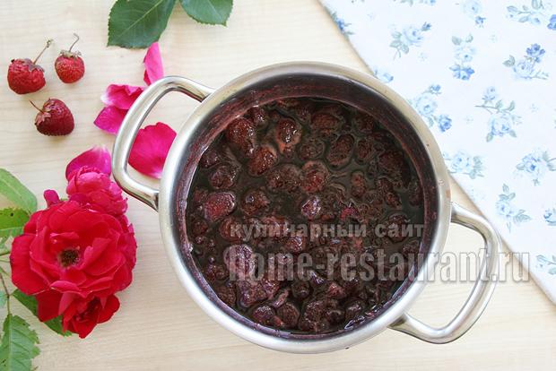 Варенье с лепестками роз фото 6
